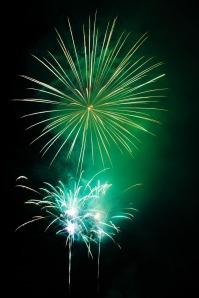 green_fireworks_193088